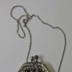 Antigüedades: JOY502 BOLSO EN MINIATURA. METAL PLATEADO. CON CADENA. ESPAÑA. AÑOS 30. Lote 51258885