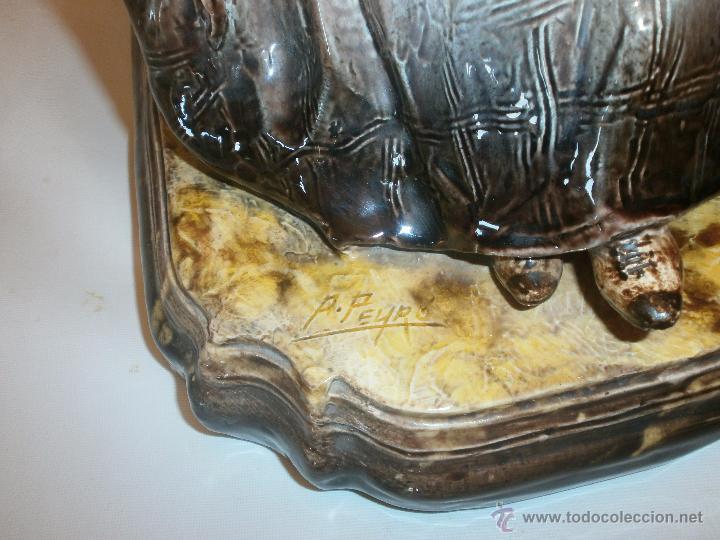 Antigüedades: FIGURA CERÁMICA PEYRÓ (VALENCIA): ANCIANA SENTADA. FIRMA LATERAL Y SELLO EN LA BASE. 42 CM ALTO - Foto 4 - 54798837