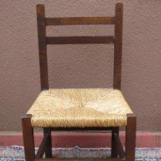 Antigüedades: SILLA DE ROBLE CON ASIENTO DE PAJA, BAJITA. Lote 54808377