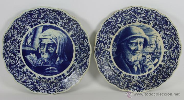 PAREJA DE PLATOS EN PORCELANA POLICROMADA. BOCH FRERES. BELGICA. 1940-1950 (Antigüedades - Porcelana y Cerámica - Holandesa - Delft)