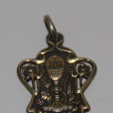 Antigüedades: MR020 COLGANTE MODERNISTA DE PRIMERA COMUNIÓN. PLATA. VACHIER. BARCELONA. 1906. Lote 47675222