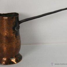 Antigüedades: CHOCOLATERA EN COBRE CON ASA EN HIERRO FORJADO. S. XVIII-XIX.. Lote 45482308