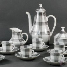 Antigüedades: JUEGO DE CAFÉ CERÁMICA CASTRO SARGADELOS CUADROS GRISES 12 SERVICIOS. Lote 54819114