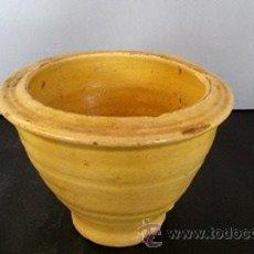 Antigüedades: MORTERO DE BARRO VIDRIADO DE AMARILLO. Lote 54849560