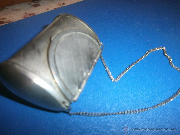 Antigüedades: Pequeño bolso cajita con cadena medida 5 x 3,5 cm. - Foto 2 - 54850833