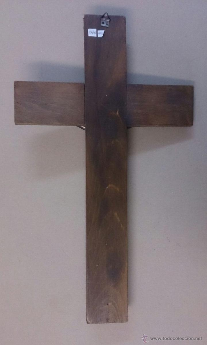 Antigüedades: Cruz de madera tallada con cristo de bronce patinado - Foto 2 - 54873921