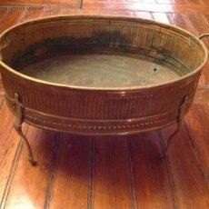Antigüedades: MACETERO FRUTERO DE LATON. Lote 54895563