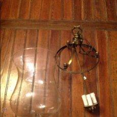 Antigüedades: FAROL DE TECHO LAMPARA CRISTAL CURVO. Lote 54895657