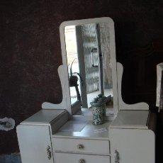 Antigüedades: BONITO TOCADOR CON ESPEJO, DECAPÉ. Lote 54907503