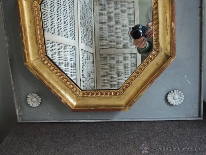 Antigüedades: ESPEJO OCTOGONAL ANTIGUO DE MADERA DORADA SOBRE MADERA EN DECAPE - Foto 3 - 54927190