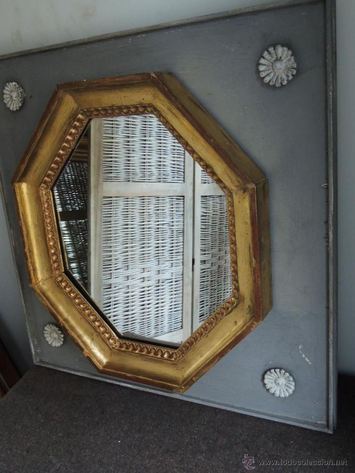 Antigüedades: ESPEJO OCTOGONAL ANTIGUO DE MADERA DORADA SOBRE MADERA EN DECAPE - Foto 6 - 54927190