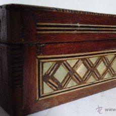 Antigüedades: CAJA DE MADERA CON INCRUSTACIONES. Lote 54932594