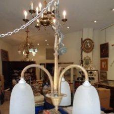 Antigüedades: LAMPARA DE TRES GLOBOS EN BRONCE. Lote 25344788