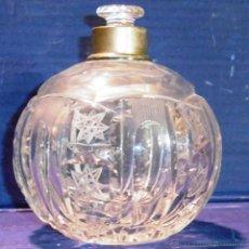 Antigüedades: BOTELLA PERFUMERO O FRASCO DE CRISTAL TALLADO Y PLATA. Lote 54989313