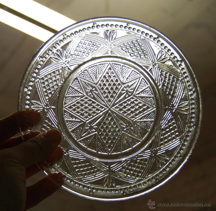 PLATO DE CRISTAL TALLADO AÑO 1900 APROX. // LOTE DE TRES (Antigüedades - Cristal y Vidrio - Otros)