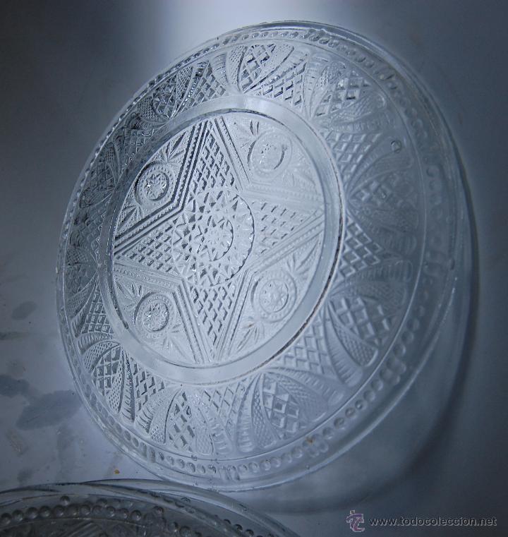 Antigüedades: PLATO DE CRISTAL TALLADO AÑO 1900 APROX. // LOTE DE TRES - Foto 3 - 55071972
