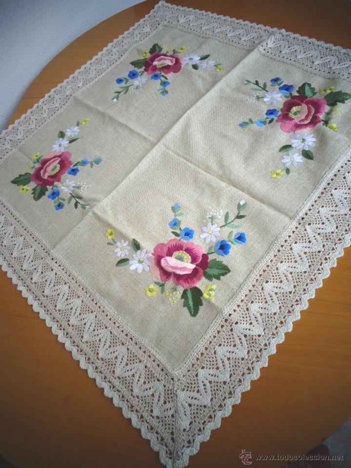 Mantel de tela de lino con gran bordado hecho a comprar - Manteles de lino ...
