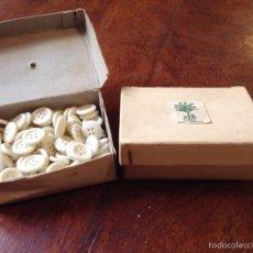 Antigüedades: BOTONES BAQUELITA 1.5 CMS. Lote 243342665