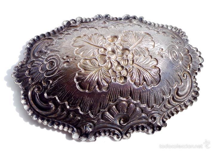 Antigüedades: PRECIOSO CENICERO O APERITIVERO DE PLATA CON ESCENA Y ADORNOS FLORALES - 14,5X11 CM 47 GRAMOS - Foto 3 - 55132674