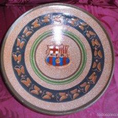 Antigüedades: PRECIOSO PLATO EN CERAMICA DEL FUTBOL CLUB BARCELONA. Lote 55170143