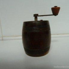 Antigüedades: ANTIGUO MOLINILLO DE PIMIENTA, MADERA HIERRO MARCA MARLUX MADE IN FRANCE . Lote 55179010