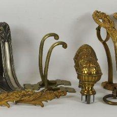 Antigüedades: ALZAPAÑOS, SOPORTES Y ACCESORIOS PARA CORTINAJES. LATON Y METAL DORADO. SIGLO XIX.. Lote 55173543
