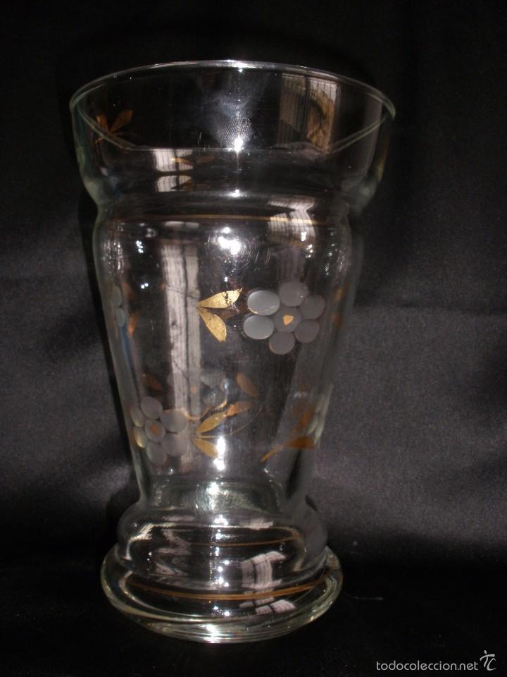 Antigüedades: Florero cristal tallado y pincelado en oro de la Fabrica de Santa Lucia Cartagena Murcia - Foto 5 - 55223763