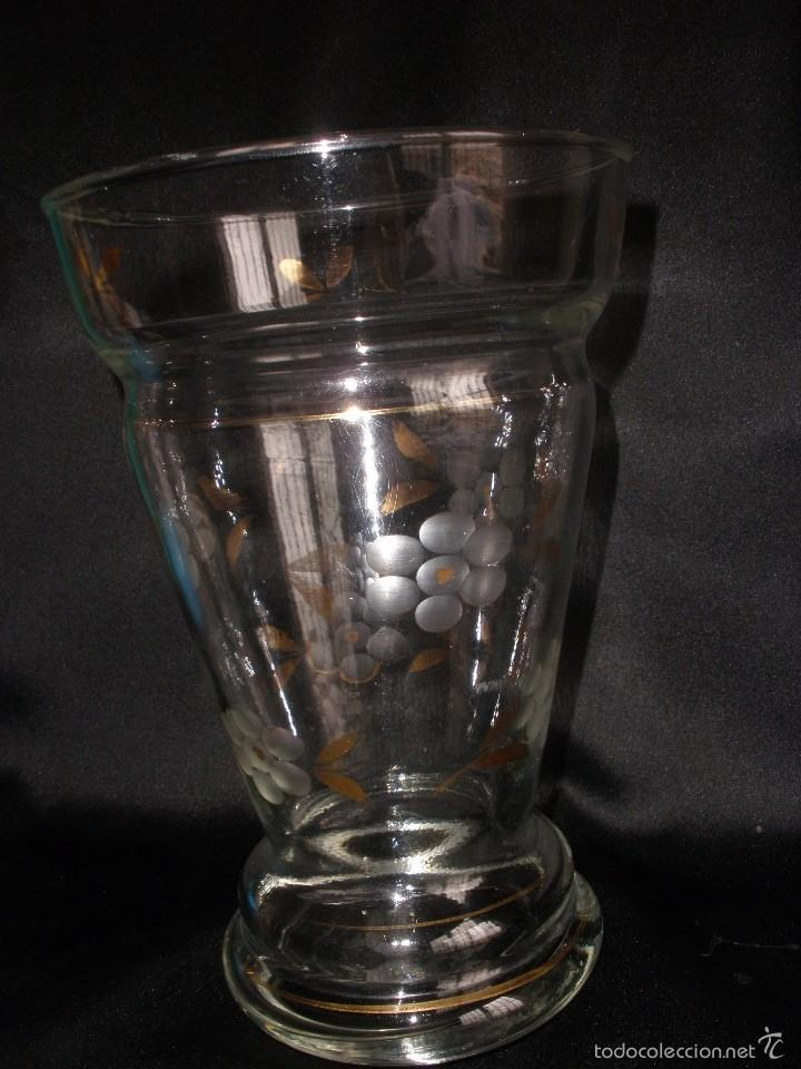 Antigüedades: Florero cristal tallado y pincelado en oro de la Fabrica de Santa Lucia Cartagena Murcia - Foto 9 - 55223763