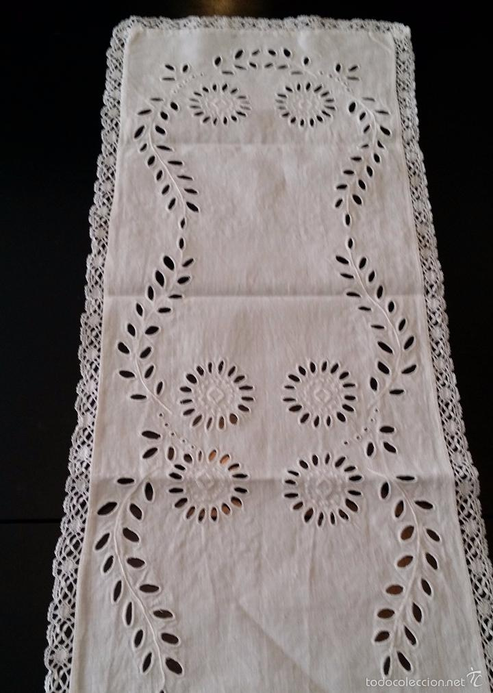 Antigüedades: Antiguo tapete / camino bordado - Foto 2 - 55246886