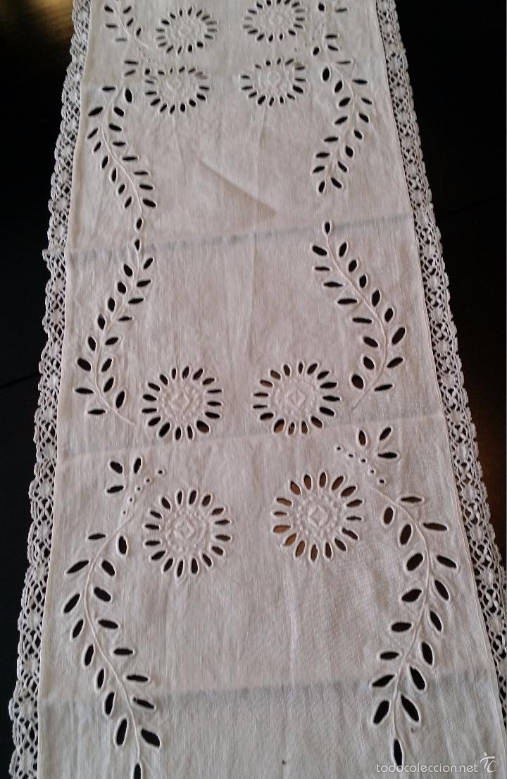 Antigüedades: Antiguo tapete / camino bordado - Foto 3 - 55246886