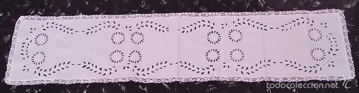 Antigüedades: Antiguo tapete / camino bordado - Foto 7 - 55246886