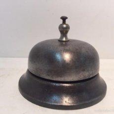 Antigüedades: TIMBRE DE SOBREMESA METALICO ANTIGUO.. Lote 55316520