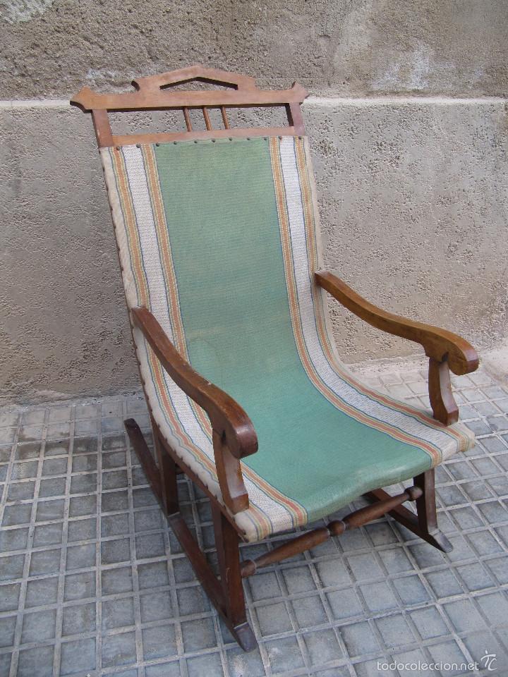 Antigua mecedora de madera y tela ideal para r comprar for Mecedora de madera