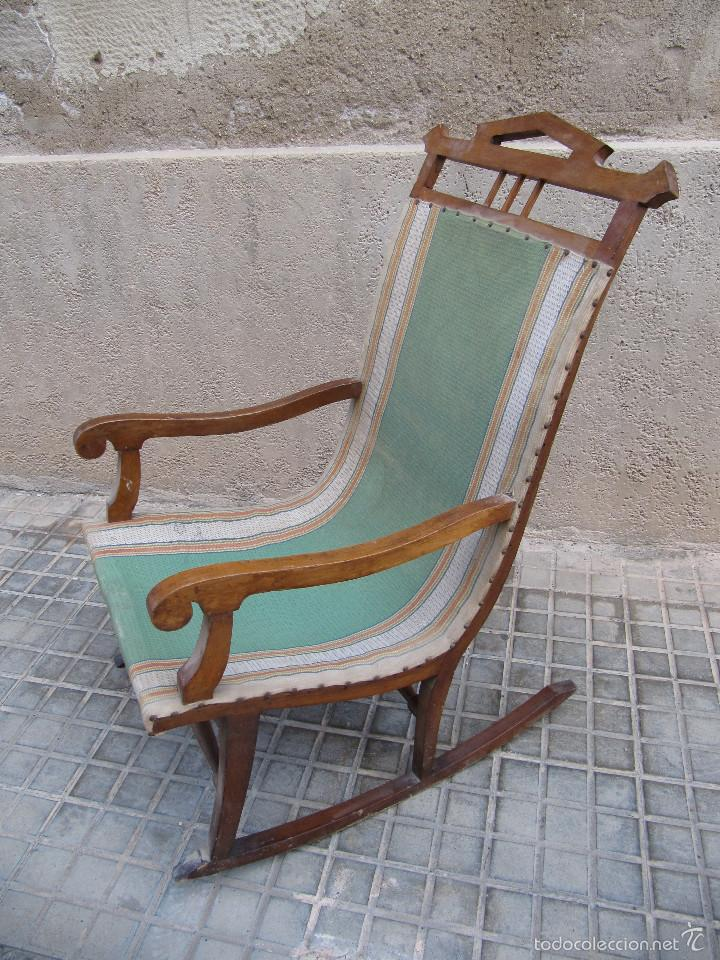 Antigua mecedora de madera y tela ideal para r comprar for Antiguedades para restaurar
