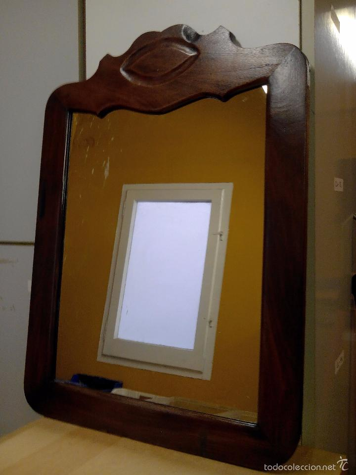 bonito espejo de madera restaurado con cristal nuevo ver mas fotos