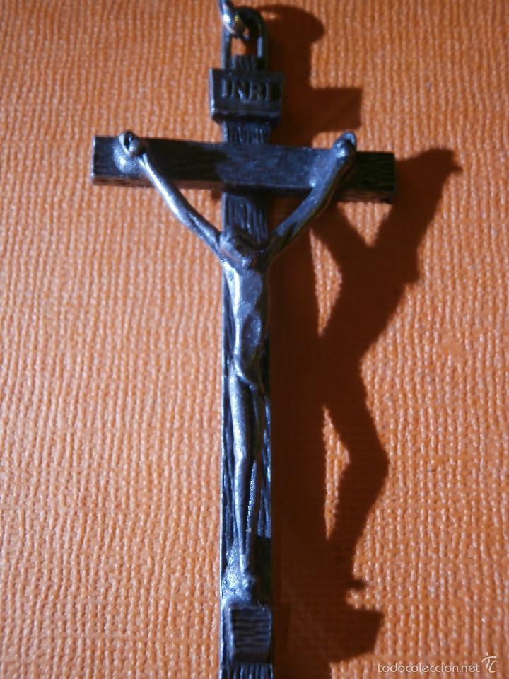 Antigüedades: Antiguo crucifijo metálico - 70 x 30 mm. - No es hierro - - Foto 2 - 55344190