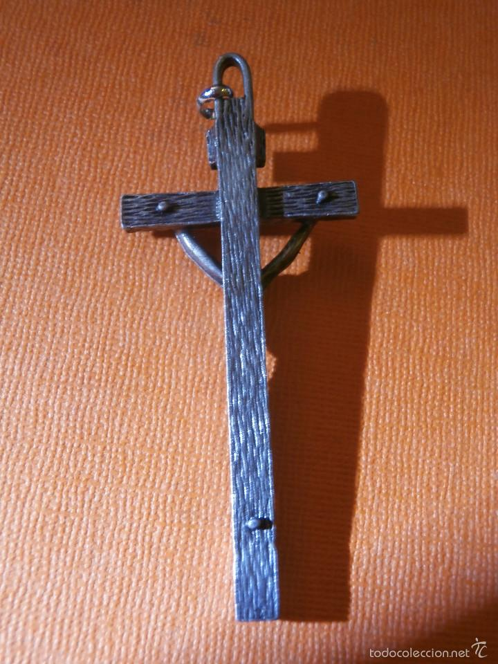 Antigüedades: Antiguo crucifijo metálico - 70 x 30 mm. - No es hierro - - Foto 4 - 55344190