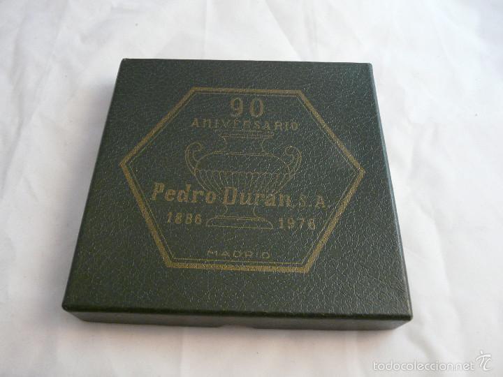 Antigüedades: PLATO 90 ANIVERSARIO PLATERIA PEDRO DURAN MADRID, 1886-1976 / EN SU ESTUCHE ORIGINAL - Foto 9 - 55356911