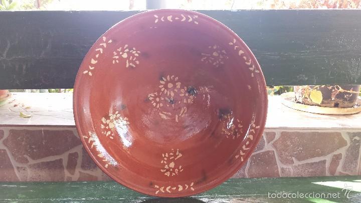ANTIGUA Y GRAN FUENTE DE LA BISBAL, PRECIOSA (Antigüedades - Porcelanas y Cerámicas - La Bisbal)