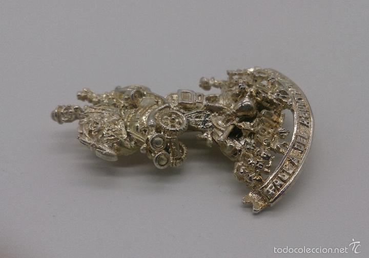 Antigüedades: Bello broche de la falla del ayuntamiento del año 2001 chapada en plata de ley, Valencia . - Foto 2 - 55372163