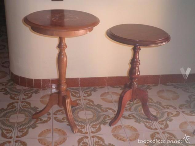 Dos veladores de madera comprar veladores antiguos en - Muebles antiguos malaga ...