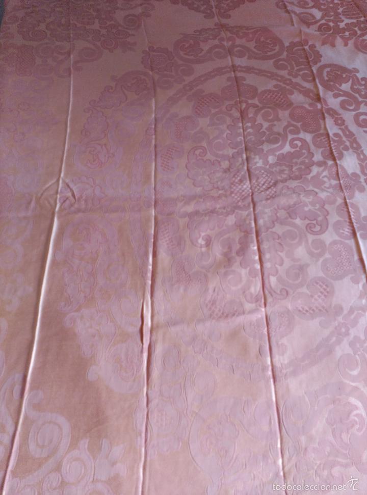Antigüedades: Colcha antigua adamascada de raso rosa - Foto 3 - 55334354