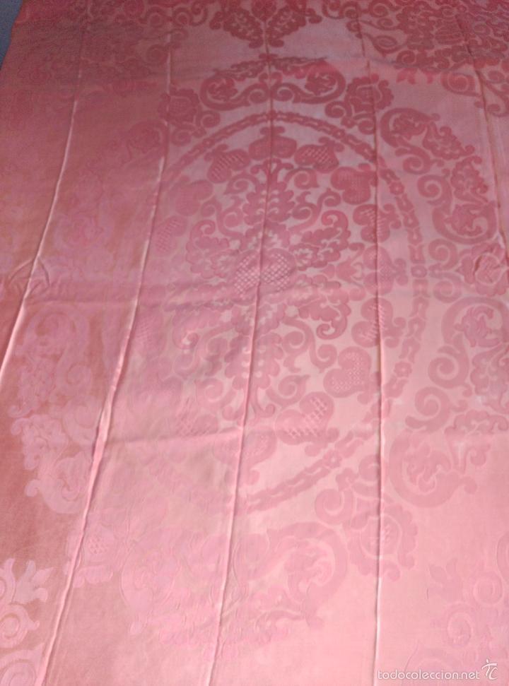 Antigüedades: Colcha antigua adamascada de raso rosa - Foto 4 - 55334354