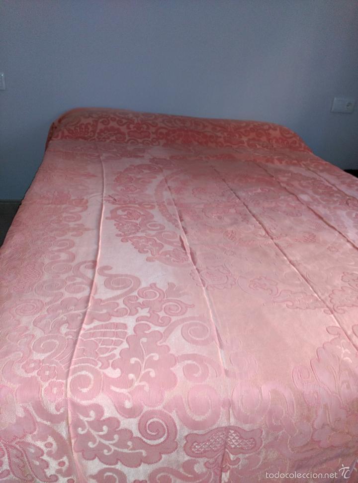 Antigüedades: Colcha antigua adamascada de raso rosa - Foto 6 - 55334354