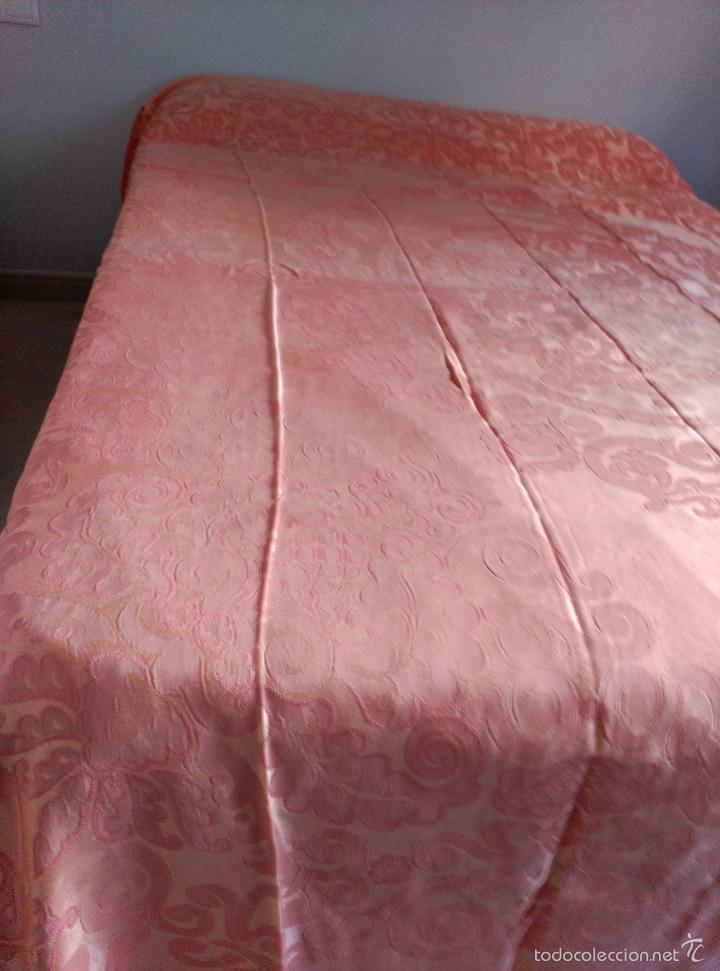 Antigüedades: Colcha antigua adamascada de raso rosa - Foto 7 - 55334354