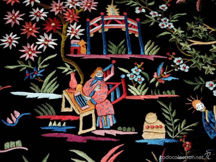 Antigüedades: EXCEPCIONAL MANTON DE MANILA, FILIPINAS, BORDADO CON FLORES, CHINOS Y PAJAROS, MIDE 155 X 155 CMS. - Foto 16 - 222083846