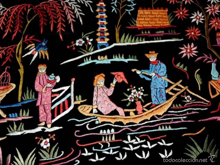Antigüedades: EXCEPCIONAL MANTON DE MANILA, FILIPINAS, BORDADO CON FLORES, CHINOS Y PAJAROS, MIDE 155 X 155 CMS. - Foto 18 - 222083846