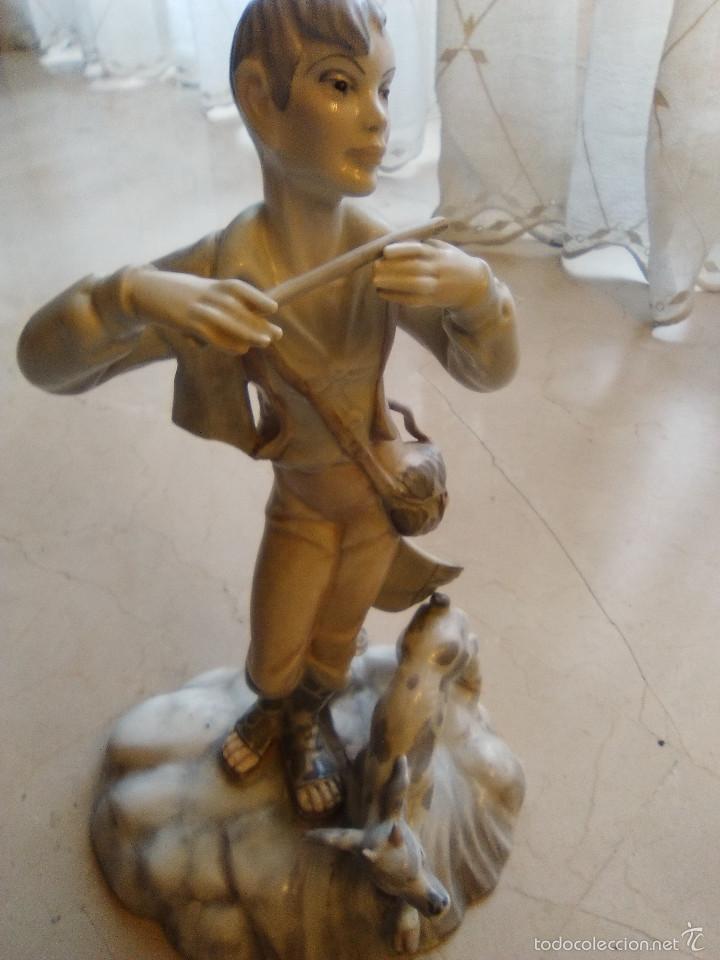 FIGURA PORCELANA MARCA FRANJU MADE IN SPAIN (Antigüedades - Hogar y Decoración - Figuras Antiguas)