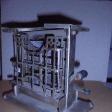 Antigüedades: (M) ANTIGUA TOSTADORA ELECTRICA - AÑOS 20/30 - TODO UN INGENIO INDUSTRIAL . 19,5 X10 CM. 17 CM. DE. Lote 55568803
