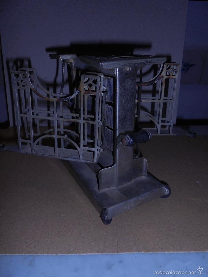 Antigüedades: (M) ANTIGUA TOSTADORA ELECTRICA - AÑOS 20/30 - TODO UN INGENIO INDUSTRIAL . 19,5 X10 CM. 17 CM. DE - Foto 4 - 55568803